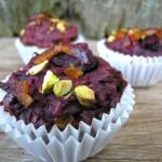 Bietenmuffins met cacaobonen en sinaasappelschil