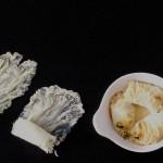 In wijn gestoofde gevulde chinese kool bladeren
