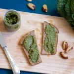 Pesto van geroosterde groene savooiekool en paranoten