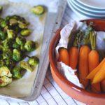 Veggie bijgerechten: oven-heerlijke spruitjes en kerstige bospeentjes