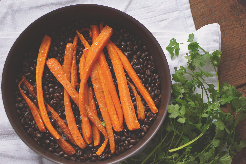 Smakelijke combi: op koffiebonen geroosterde wortels