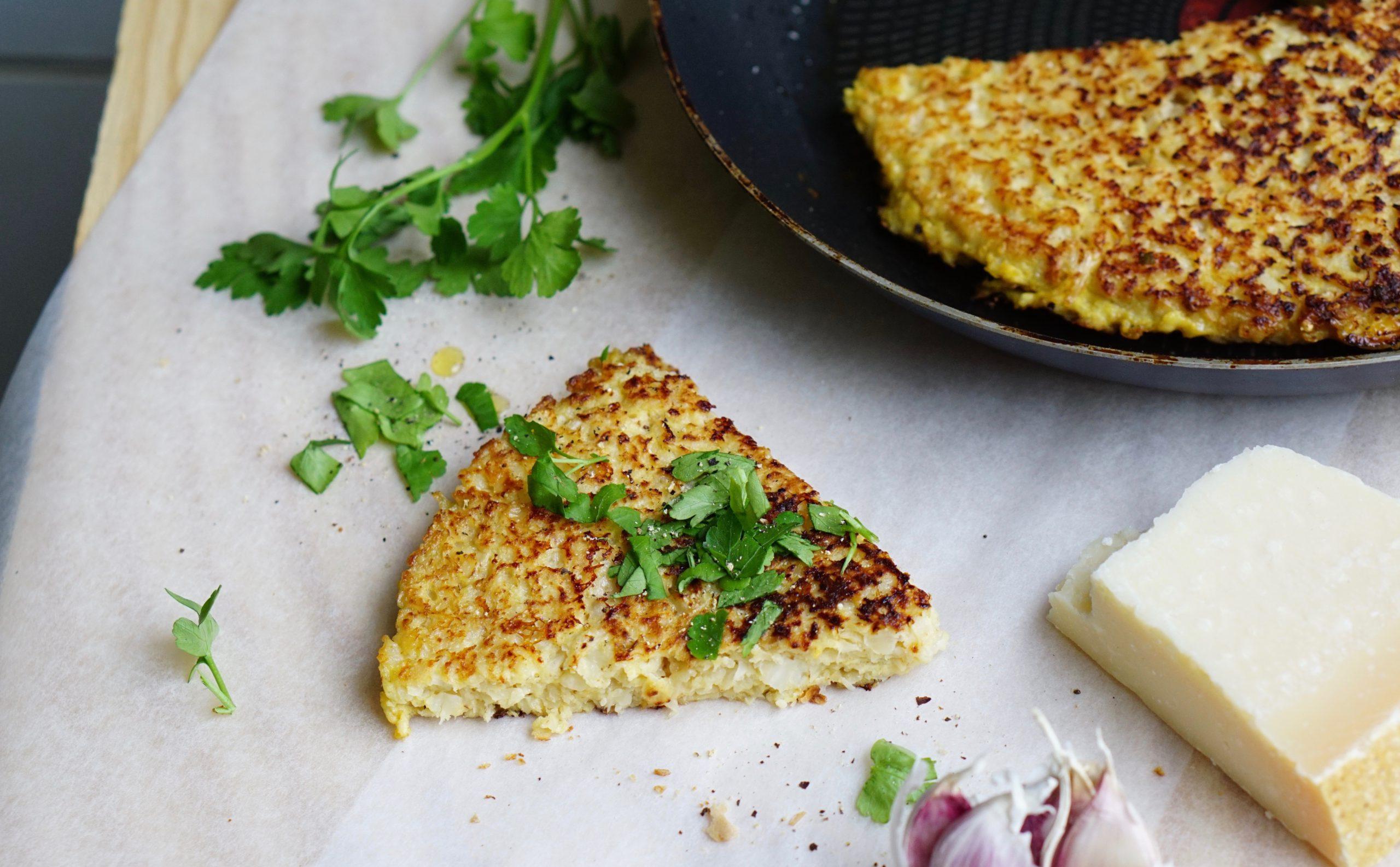 BLOEMKOOL-RÖSTI | met lekker veel parmezaanse kaas