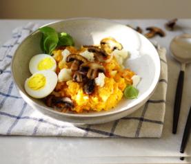 Stamppotje van zoete aardappel, bloemkool, kastanje champignons en wortel