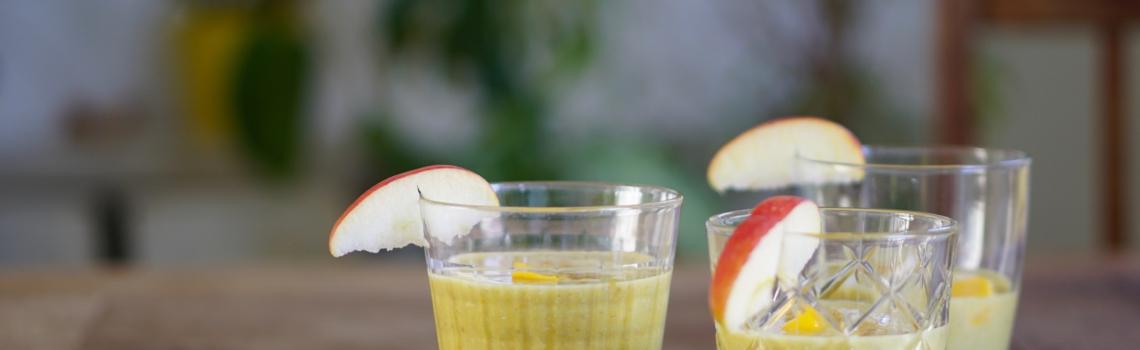 GOLDEN SMOOTHIE   gezonde ontbijtsmoothie met haver, mango en curcuma
