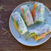 ZOMERSE SPRINGROLLS | met gerookte tofu, glasnoedels en verse groenten en kruiden