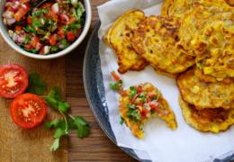 MAISKOEKJES   met koriander salsa