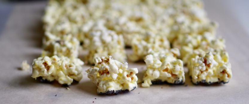 CITROEN-KARDEMOM POPCORNBLOKKEN | met witte chocola
