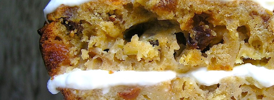 Appel-olijfoliecake met ahornglazuur