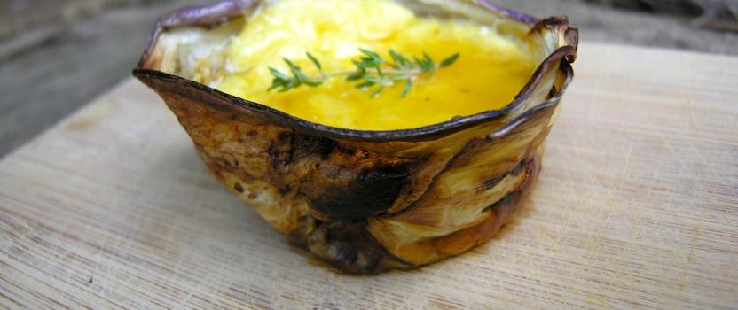 Geitenkaastaartjes met een auberginekorst en honingtopping